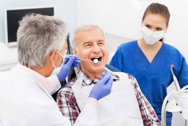 Alzheimer e problemi ai denti: come risolvere?